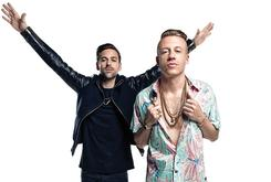 Macklemore & Ryan Lewis Win Rap/Hip-Hop Album Of The Year At 2013 AMAs [Update: Full List Of Winners]
