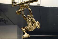 Shaq Statue At Staples Center Will Reportedly Hang 10 Feet Above The Ground