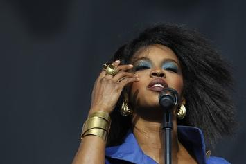 "Lauryn Hill Writes ""Letter Of Recognition"" To Fans"