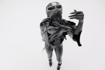 "Azealia Banks ""Chasing Time"" Video"
