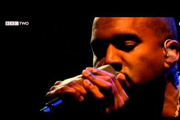 "Kanye West Performs ""Blood On The Leaves"" Live On Jools Holland"