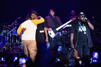 """Jay Z Brings Out Beanie Sigel, Memphis Bleek, Jeezy & Jay Electronica During """"B-Sides"""" Concert In NYC"""