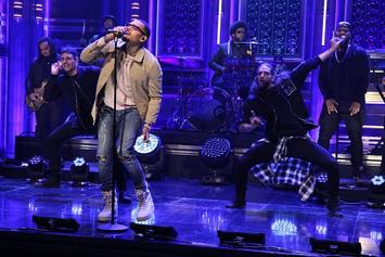 "Chris Brown Performs ""Zero"" On Jimmy Fallon"