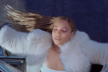 "Red Lobster Responds To Beyonce's ""Formation"""