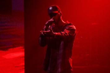 """Bryson Tiller Performs """"Exchange"""" On Seth Myers"""