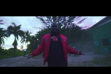 """Zoey Dollaz """"No Heart (Freestyle)"""" Video"""