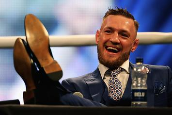 Fan Shows How He Snuck Into Mayweather/McGregor Press Conference