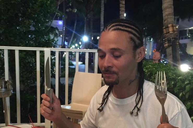 Bizzy Bone and a lobster
