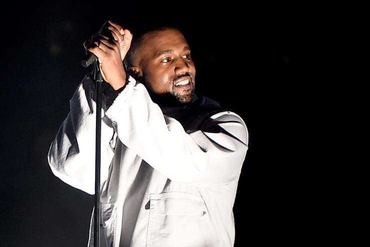 Kanye West performing at 102.7 KIIS FM's 2015 Wango Tango